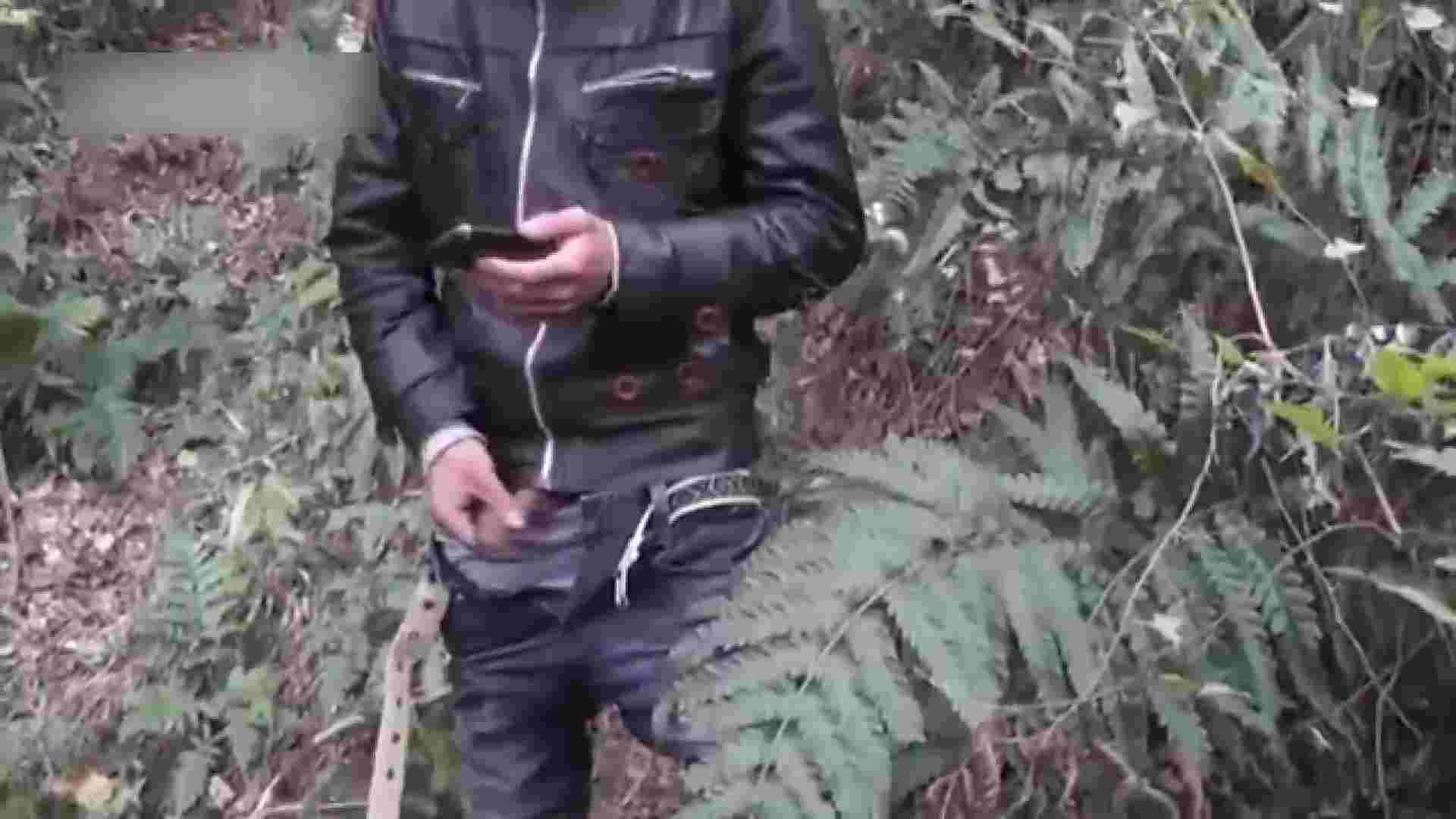 草原の中のオナニー ゲイのオナニー映像   0  69枚 19