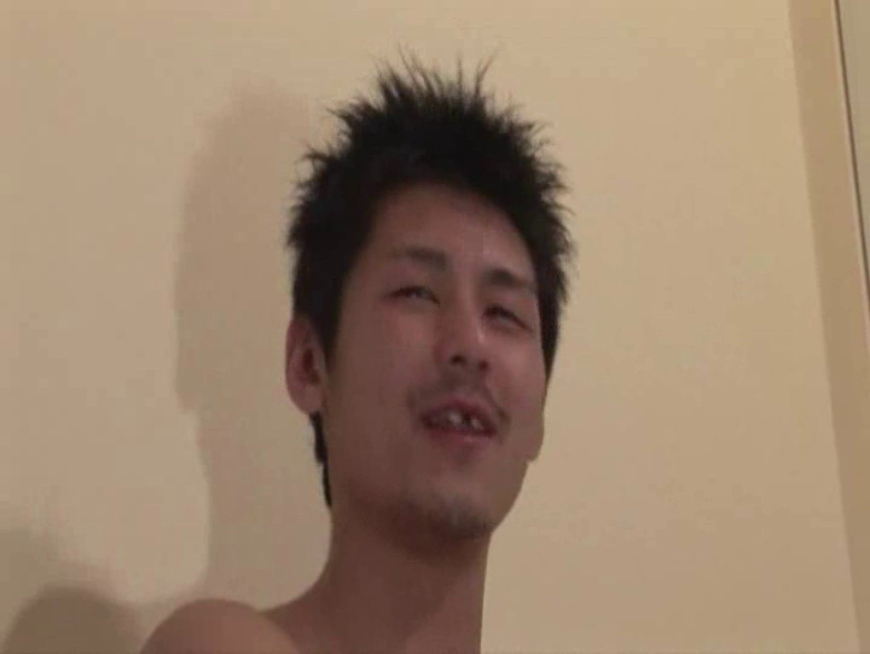隙っ歯髭メンの仏頂面オナニー! ゲイのオナニー映像  71枚 20